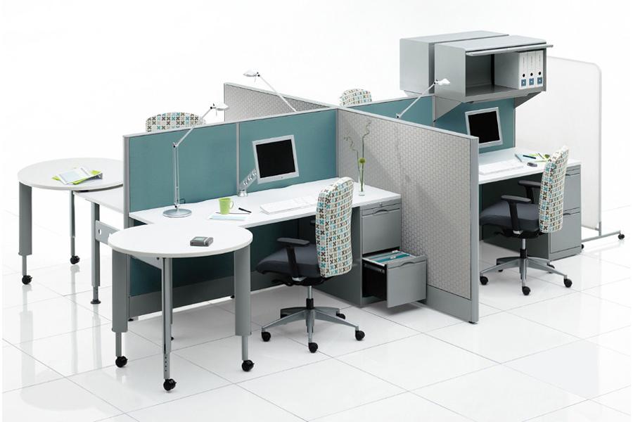 Estaciones de trabajo escritorios con mamparas modulos for Muebles de oficina concepto
